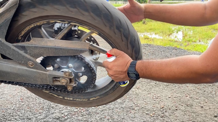 How to Lube a Motorcycle Chain